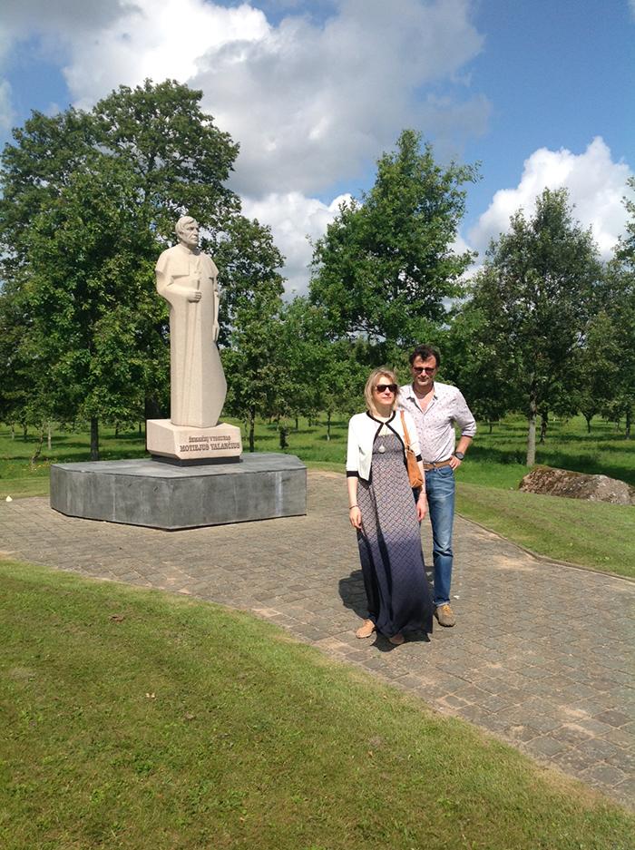 Valancius statue